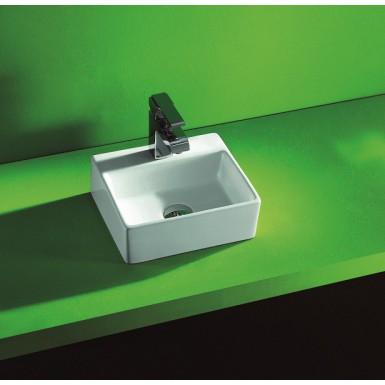 Lave main à poser en porcelaine émaillée Ill par Robinet and Co
