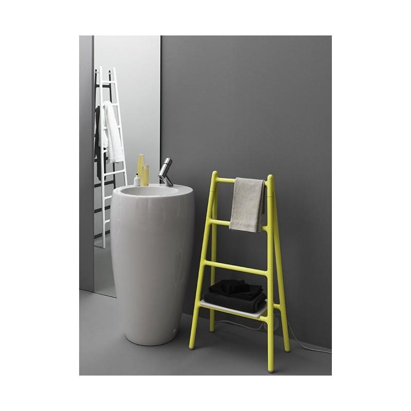 s che serviette mobile scaletta robinet and co radiateur. Black Bedroom Furniture Sets. Home Design Ideas