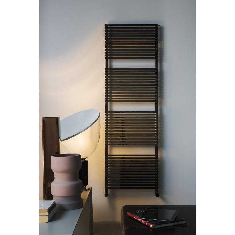 radiateur s che serviette kubik pour chauffage central robinet and co radiateur. Black Bedroom Furniture Sets. Home Design Ideas